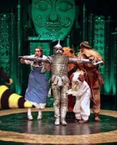 Ihmemaa Oz -lastennäytelmä